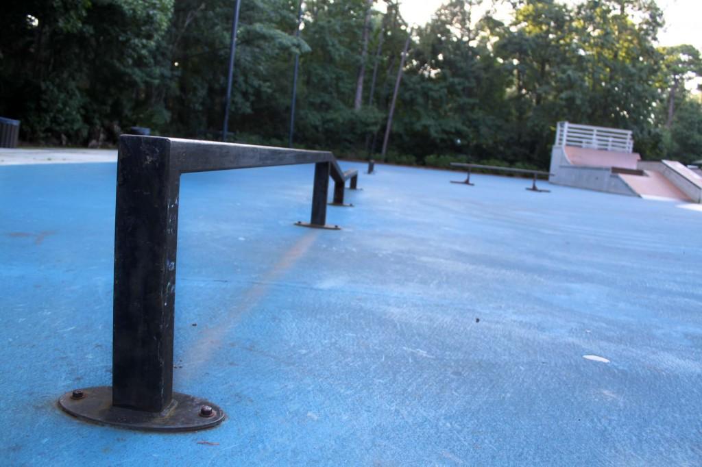 b skate pole