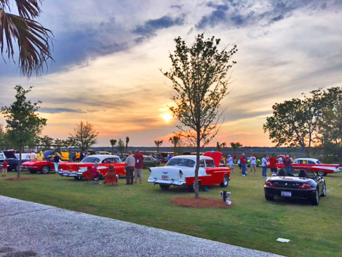 Carolina Dreamers Car Club Cruise-In at Shelter Cove Towne Centre