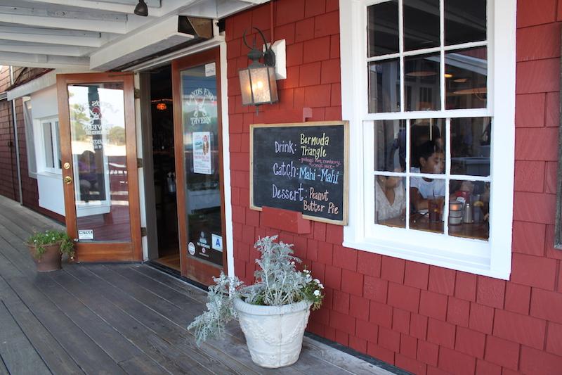 Land's End Tavern on HHI