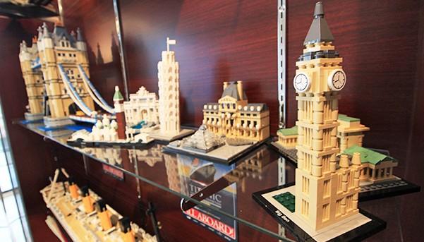 Chris Suddoth's Lego Architecture